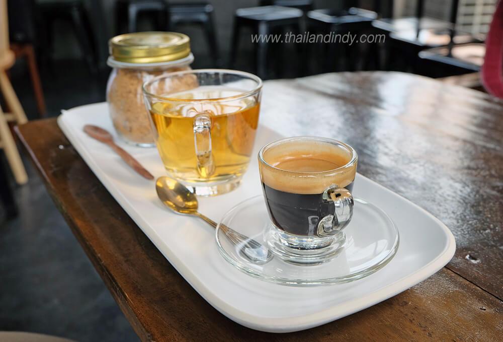 รีวิว Hot espresso ร้าน Beyond cafe (บียอนคาเฟ่)