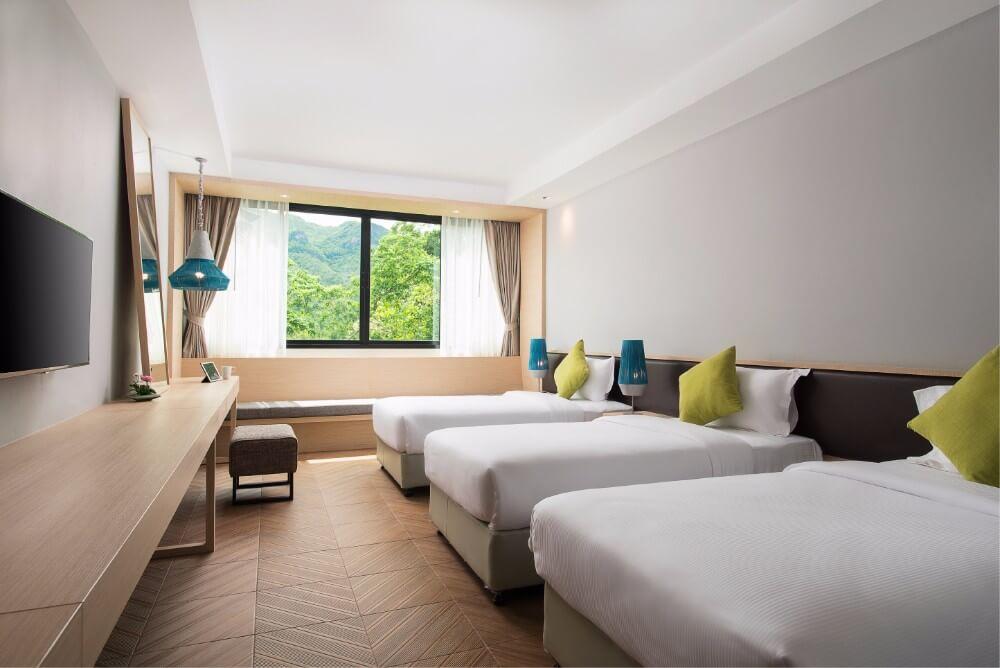 family-deluxe-room-ไมด้ารีสอร์ท-กาญจนบุรี-ที่พักริมน้ำ-ที่พักราคาถูก