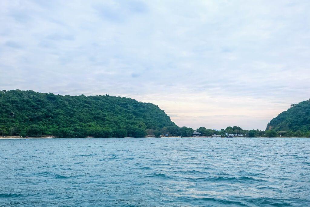 เกาะขาม สัตหีบ