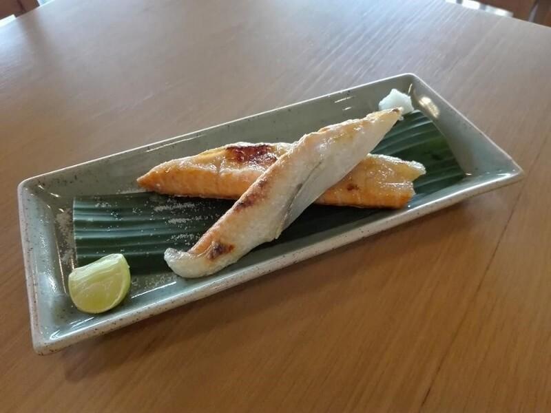 พุงแซลมอนย่างเกลือ Salmon toro shioyaki