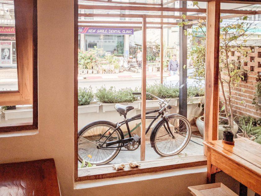 Laantim Cafe and Gallery เชียงราย